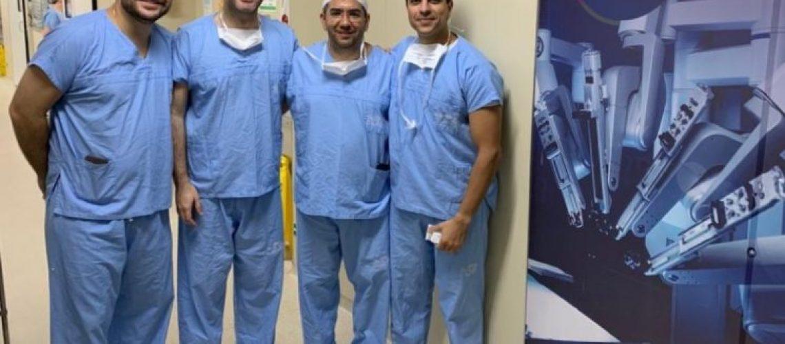 medicos.robotica.cirurgia-745x505